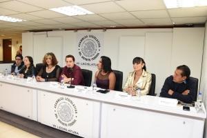 Legisladores de MORENA atienden demanda ciudadana y exigen presupuesto para atender a la población trans de la CDMX