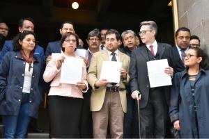 Entrega morena a la Corte cuatro acciones de inconstitucionalidad contra la Ley Electoral