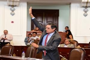 Derecho a la información no es concesión del poder: López Campa