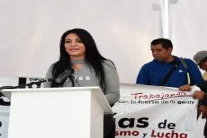 Janet Hernández busca evitar privatización del agua