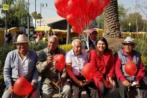 Penélope Campos celebra Día del Amor en Iztapalapa