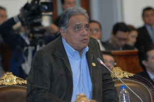 Por mayoría, PRI, PAN y PRD respaldan una de las dos listas propuestas a consejeros honoríficos para CDHDF
