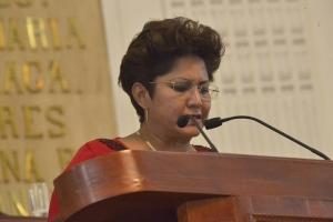 Demanda Nury Ruiz proceder contra juez que negó registro de hijo a pareja de mujeres