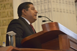 Denuncian molestia vecinal por obra inconclusa en Miramontes