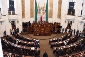 Diputados de la  ALDF toman protesta a nueve delegados sustitutos