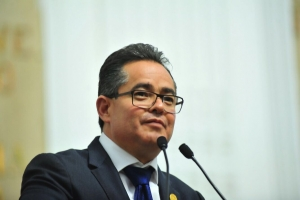 Propone el diputado Leonel Luna un programa de educación a distancia para los adultos mayores de la CDMX, a partir del siguiente año