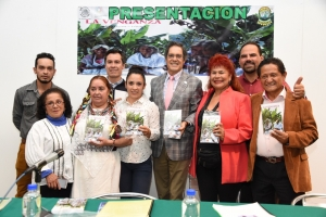 Presenta diputado López Campa el libro La Venganza, de la autora Alicia Flores Dávila