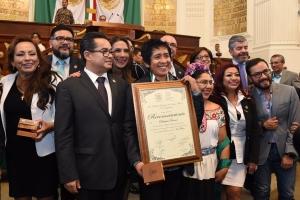 Entregó ALDF Medalla al Mérito en Artes