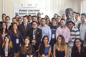 Inaugura Néstor Núñez primer debate juvenil de la Ciudad de México